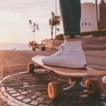 Betapa Menyebalkannya Budaya Injak Sepatu Saat Ada yang Pakai Sepatu Baru