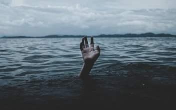 bpjs kesehatan negara debt collector tenggelam Nagih-Nagih Sampai Ngancam Denda 30 Juta, Negara dan BPJS Udah Kayak Debt Collector aja
