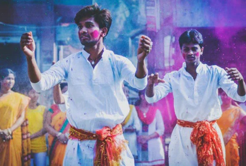 film india sinetron india siksaan penulis review sinopsis zoom in zoom out medan mojok.co