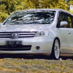 Nissan Grand Livina MOJOK.CO