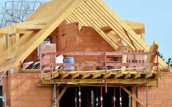 membangun rumah mojok