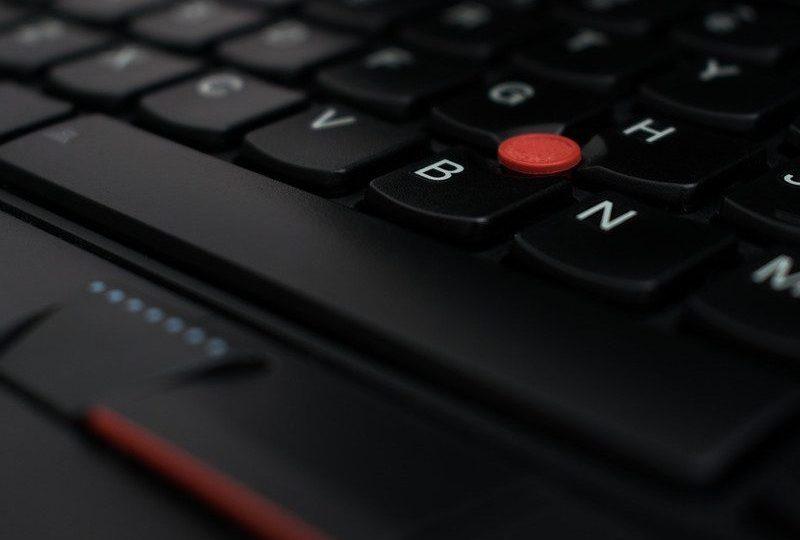 Lenovo ThinkPad MOJOK.CO