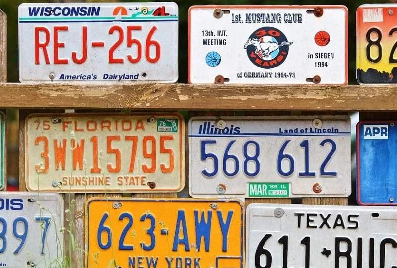arti plat nomor kendaraan kode plat kendaraan Tanda Nomor Kendaraan Bermotor mojok.co