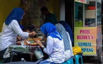 5 Rekomendasi Tempat Makan Murah di Sekitar UNS dan ISI Solo terminal mojok.co