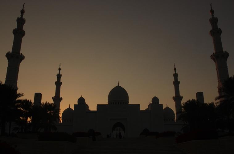 Syiah Bukan Islam, Sunni Juga Bukan
