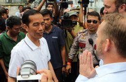 Presiden Jokowi Harus Baca Buku Iqbal Aji Daryono