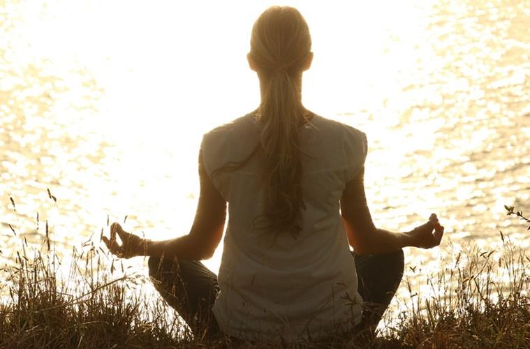 Yoga dan Spiritualisme Karbitan