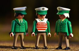 Lima Tips Agar Pak Polisi Tak Stres Lagi