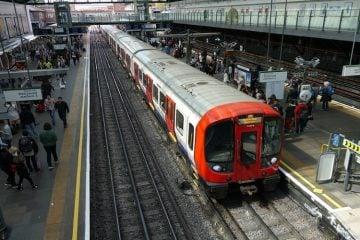 Menjadi Pepes Zombie di Commuter Line