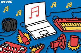 Home Recording, Bagusan PC atau Macbook? cover lagu sendiri rekaman di kamar headset mojok.co