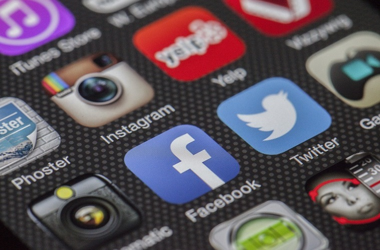 Tantangan untuk Para Selebtwit: Tinggalkan Twitter, Hijrahlah ke Facebook