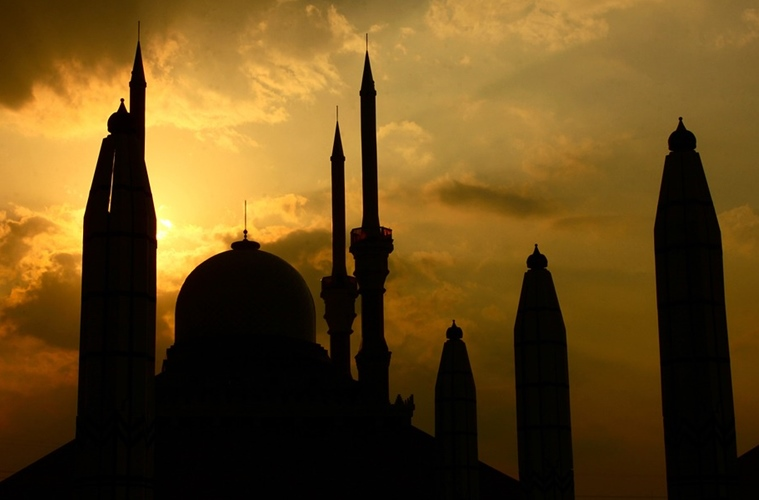 Perlunya Wi-Fi di Masjid agar Itikaf dan Tarawih Semakin Khusyuk dan Nyaman