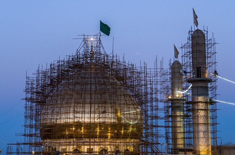 Dia Sakit dan Kamu Sibuk Membangun Masjid
