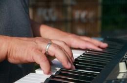 Taufiq Ismail Menyelamatkan Kita dari Bahaya Laten Lagu Wajib