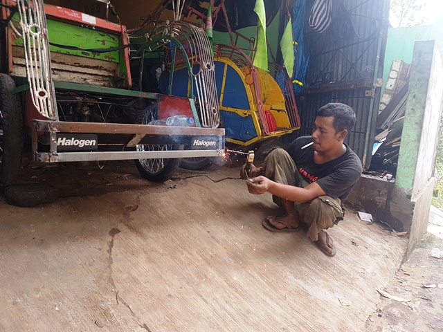 agus-becak-motor-mojok.co