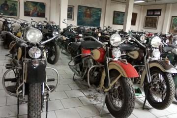 Motor tua di Museum Merpati Yogya