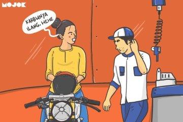 Perempuan Masih Kerap Jadi Mangsa Montir Nakal Waktu Servis Motor: Haruskah Perempuan Menyamar Biar Nggak Diremehkan? MOJOK.CO