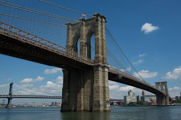 Brooklyn Bridge Mojo Travel