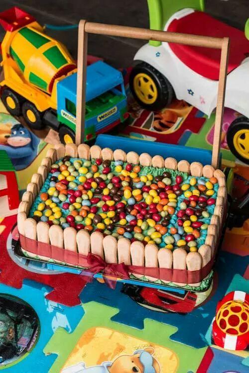 tort_podwojnie_czekoladowy_z_owocami