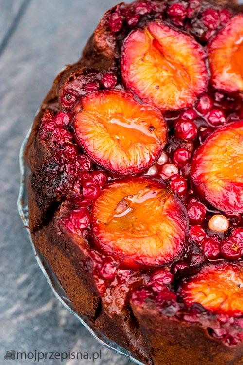 Rysiowy sernik wegański z owocami