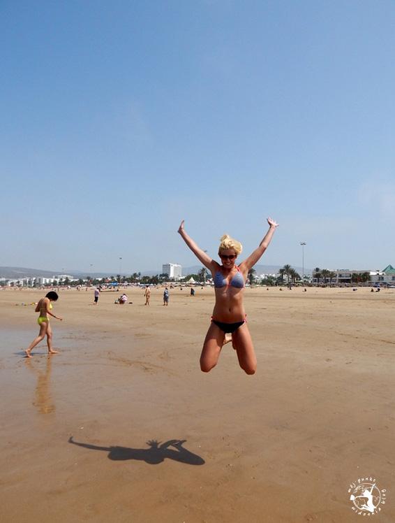 Mój Punkt Widzenia Blog - skok na plaży w Agadirze, Maroko