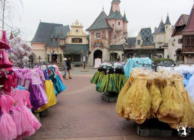 Mój Punkt Widzenia Blog - Stroje księżniczek w Fantasyland, Disneyland