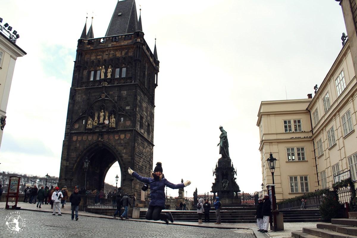 Komunikacja miejska i transport na lotnisko w Pradze. Jak tanio zwiedzić Pragę?