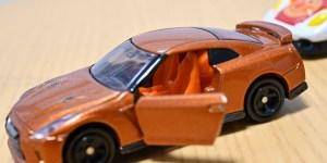 【家で撮る写真】現実のスポーツカーと夢のスポーツカー