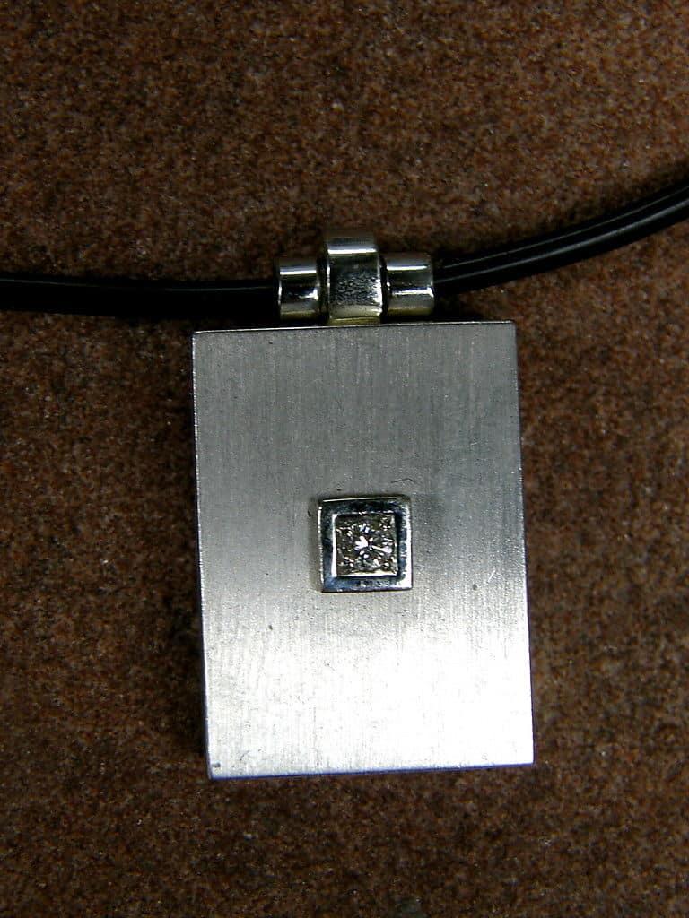 Collier Medallion Anhnger Kette Kautschukreif Platin 950 Diamant Brillant  Leguan Schmuck Design