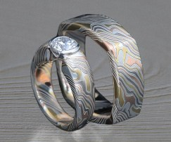 nontraditional mokume wedding set