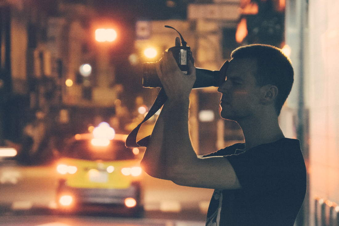 Verbeek as de fotograaf in An Impossibly Small Object