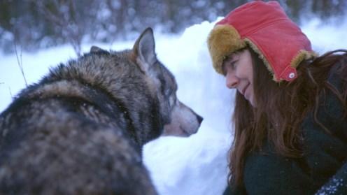 Maartje Nevejan met wolf