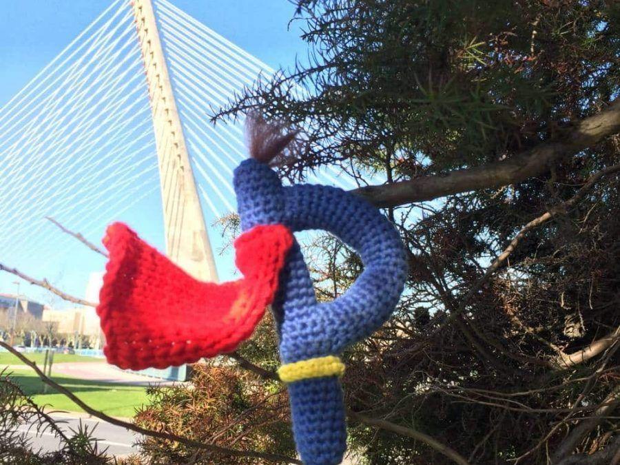 Mi papá es mi superheroe favorito, crochet patron gratis amigurumi para el día del padre.