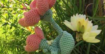 Patrón amigurumi mamá flor, para el día de la madre.