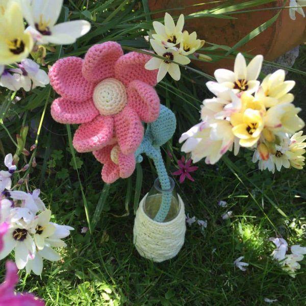 Patrón amigurumi flor DIY dia de la madre agujero