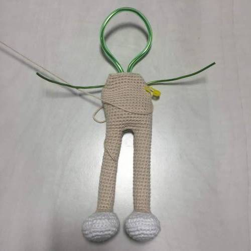 Amigurumi crochet Terminado alambre brazos