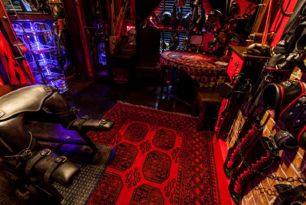 Reception_Room_London_Dungeon_Hire__1