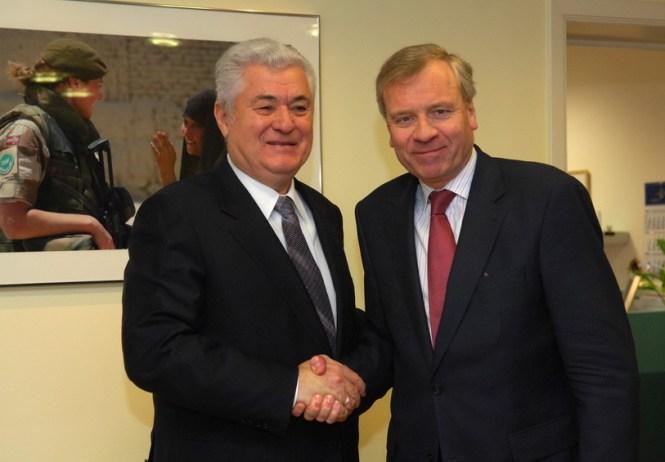 Ex-președintele Moldovei Vladimir Voronin și ex-secretarul general al NATO Jaap de Hoop Scheffer Sursa foto