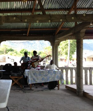 We had a band for morning & evening sessions!