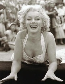 """ marylin monroe_jane russel"" by motif_catcher, Flickr is licensed under CC BY-SA 2.0"