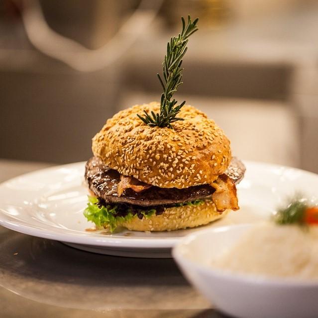 Restaurant Møllehuset Frederikhavn krokort frokost burger