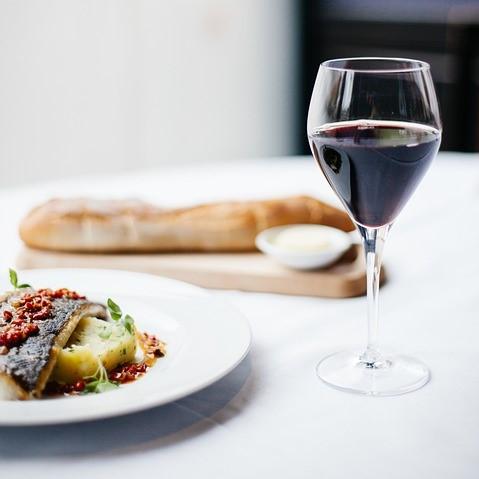 Restaurant Møllehuset frederikshavn vinmenu middag vin årstidens menu