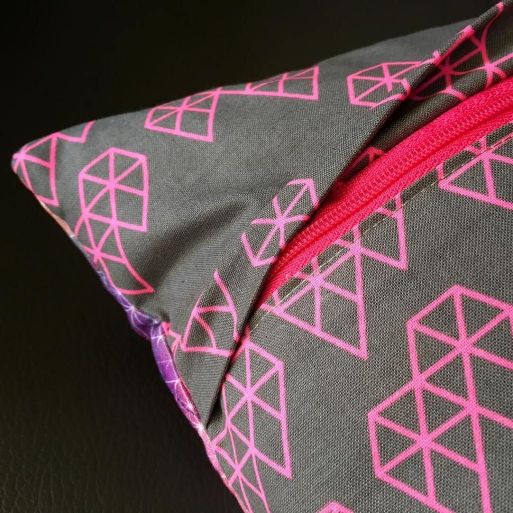 Im loving this concealed zipper method that I picked uphellip