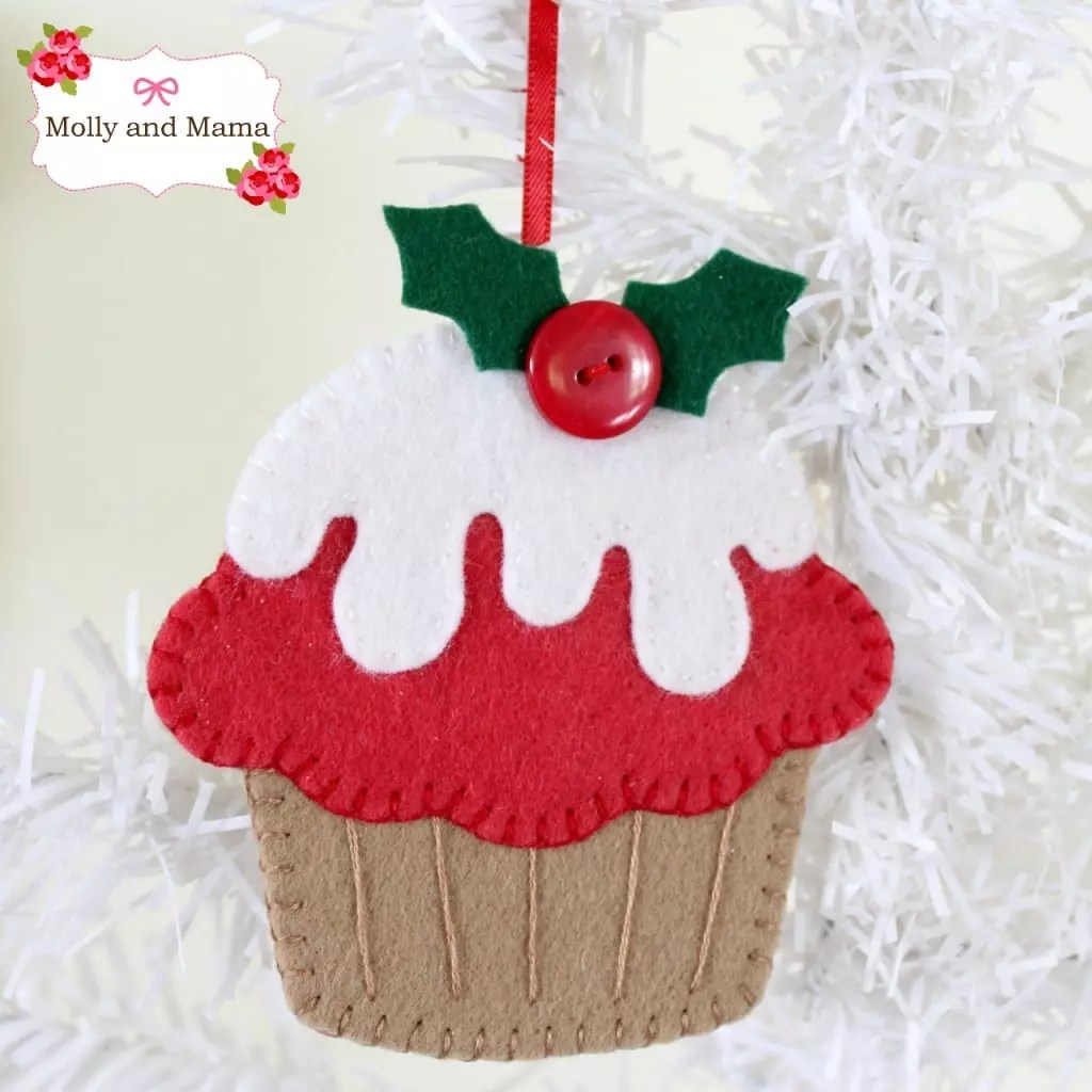 Christmas Cupcake Ornament from Molly and Mama