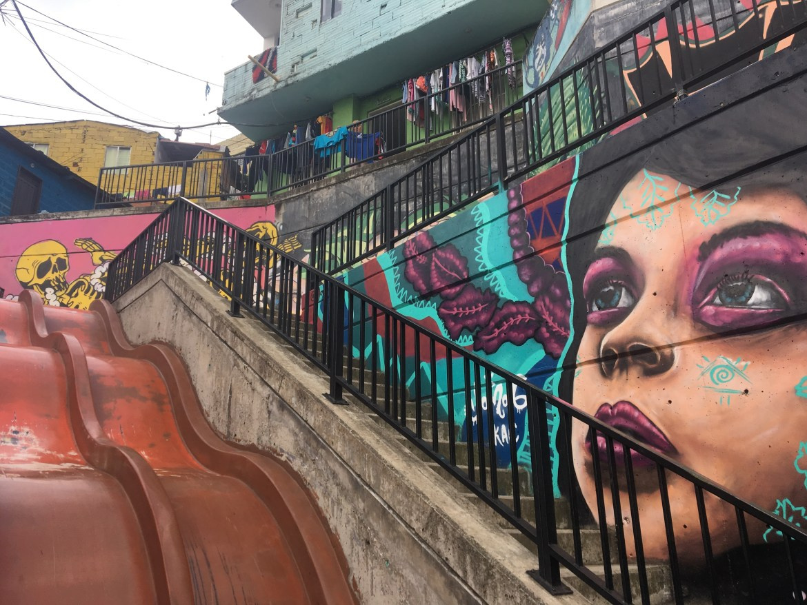 graffiti in comuna 13