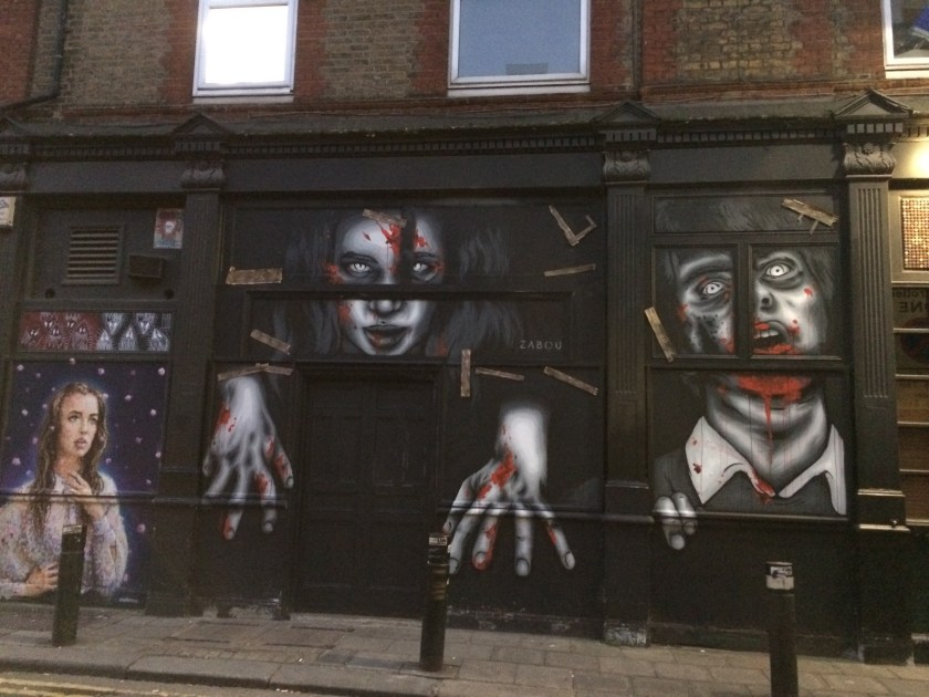 graffiti in shoreditch with strawberry tours