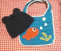 2014 Holiday Giving: Part of Sponsor a Refugee Family--Baby Bear & Fish Bowl Bib