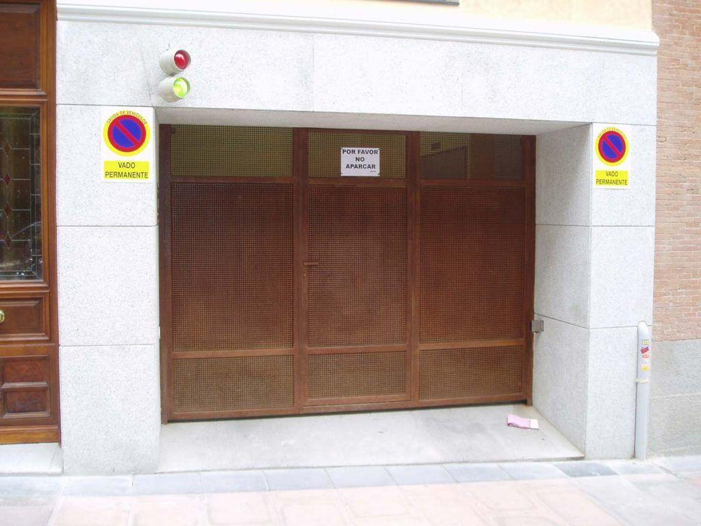 Las 5 puertas de garaje autom ticas mas vendidas puertas for Puertas automaticas garaje