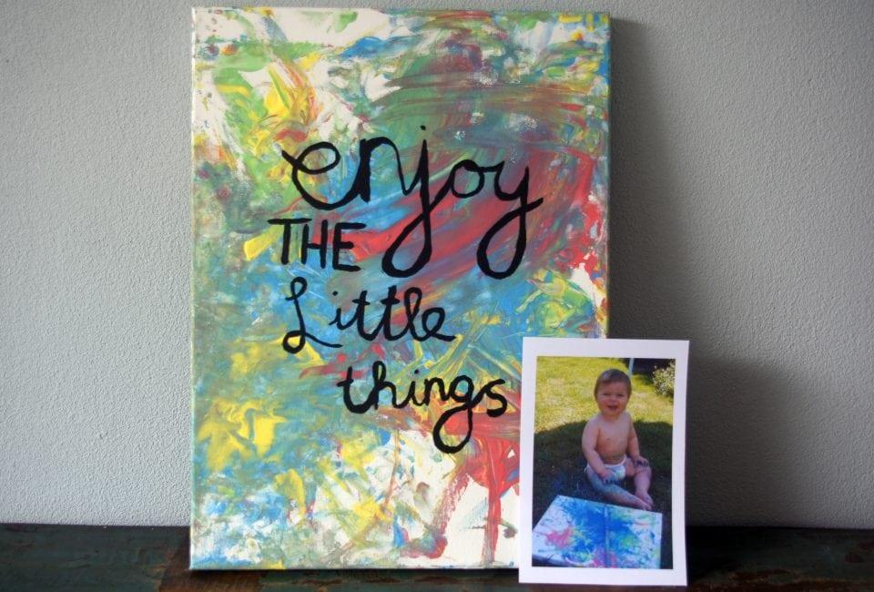 Kliederen met dreumes creatief met kind