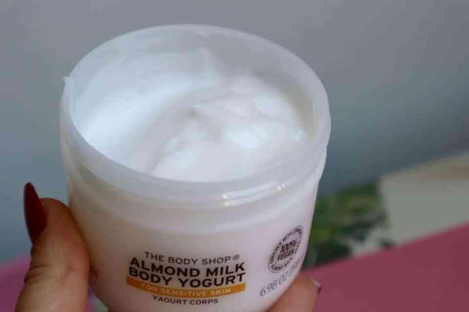 Verfrissende Body Yogurt van The Body Shop momambition.nl review